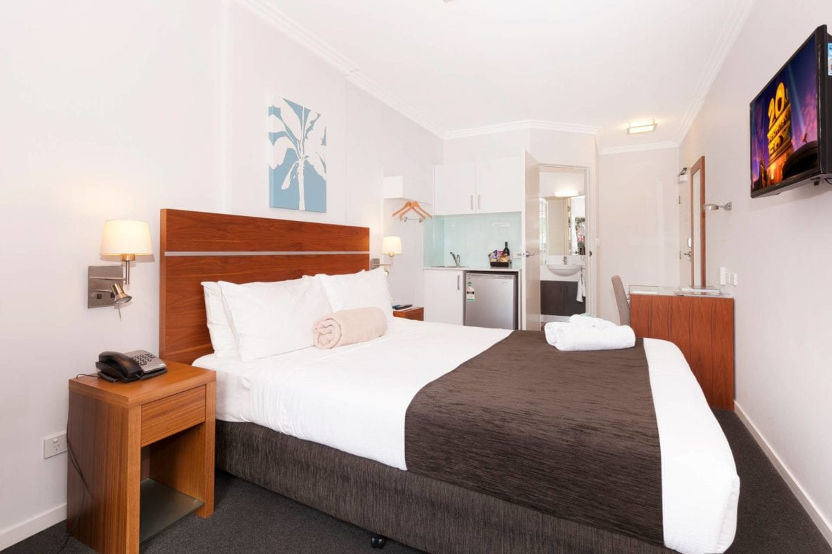 Hotel Chino Woolloongabba Brisbane Compact Studio W Desk, Teacoffee & Ensuite