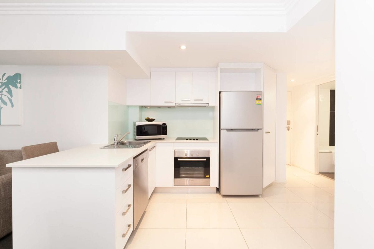 Hotel Chino Woolloongabba Brisbane One Bedroom Apt Kitchen W Micro, Oven , Dishwasher