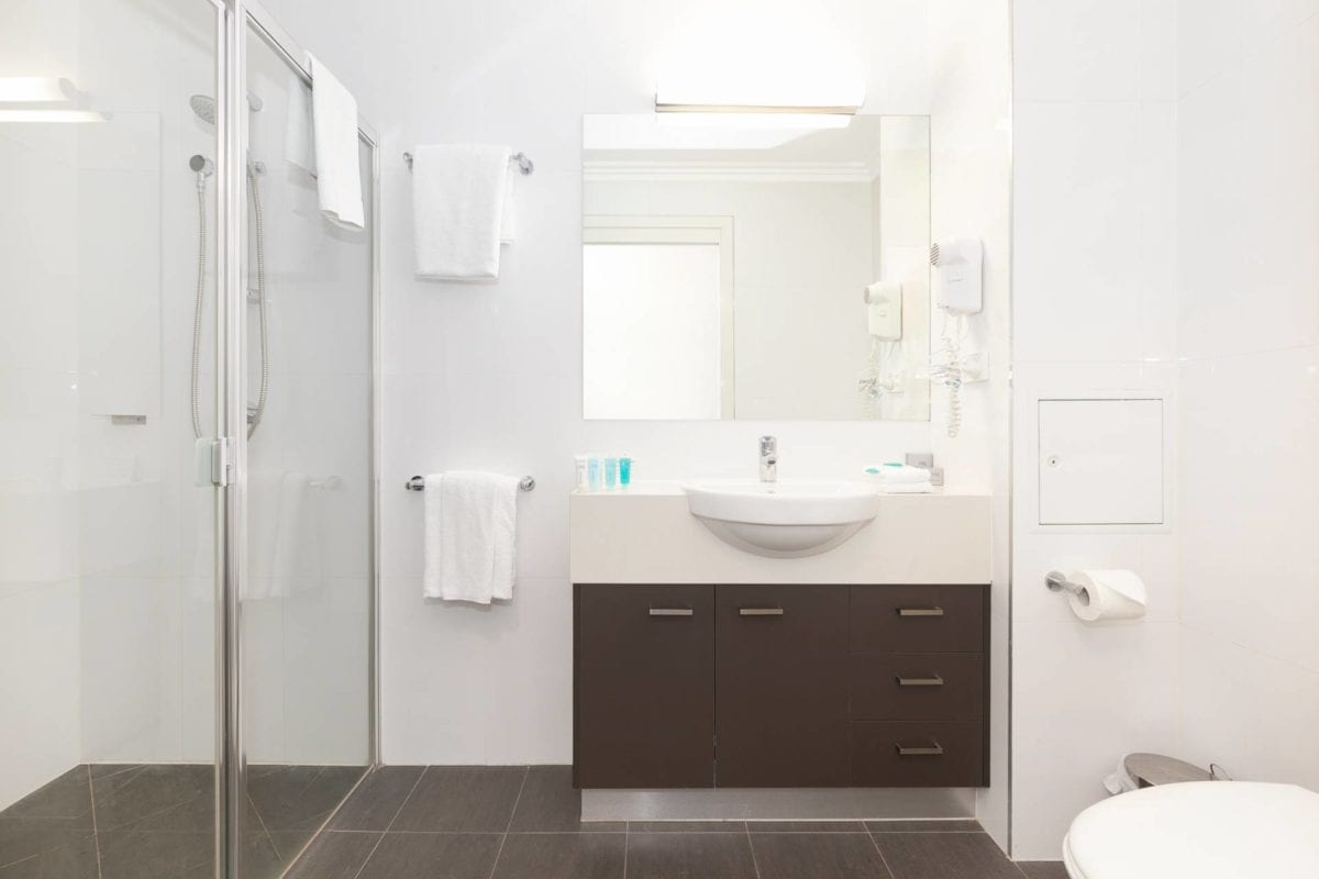 Hotel Chino Woolloongabba Brisbane Queen Studio Bathroom